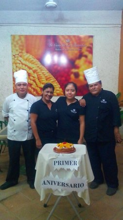 La Casa de Las Tlayudas: Nuestro Staff.. listos para atenderte
