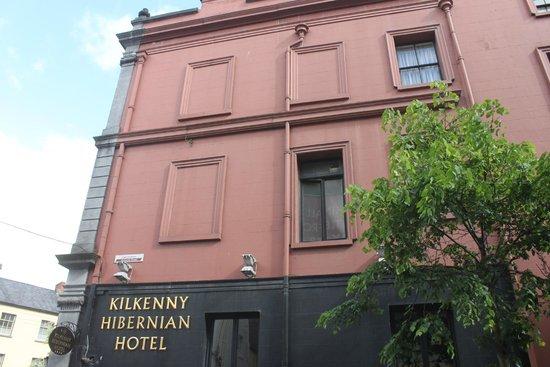 Kilkenny Hibernian Hotel: Seitengasse