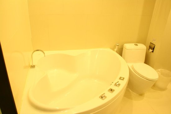 Vacio Suite: 浴缸超大可以好好泡澡