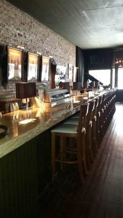 60 North Main: Wonderful bar!