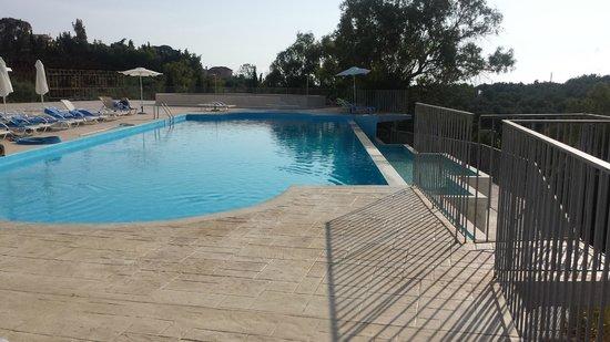 Avalon Hotel: Swimming pool