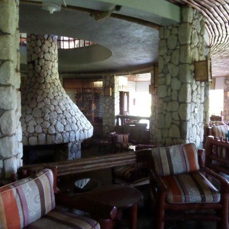 Sarova Salt Lick Game Lodge: Round fireplace