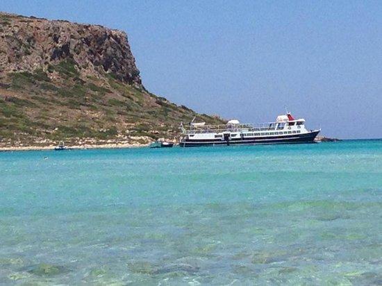Balos Beach and Lagoon : mouillage de bateaux