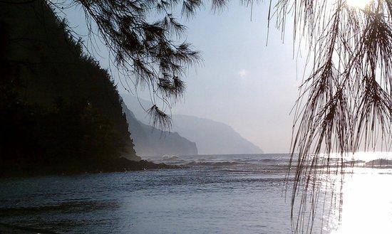 Ke'e Beach : View of NaPali coast