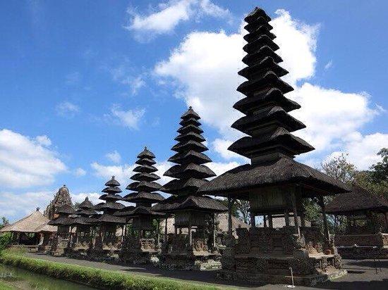 Taman Ayun Temple : Vy från vänster!