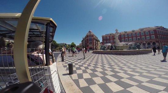 Trains Touristiques de Nice: Entering the old town