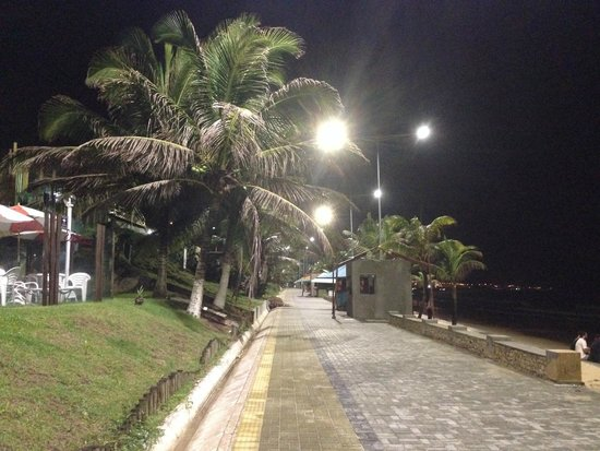 Elegance Ponta Negra Flat Beira Mar: Em frente ao hotel