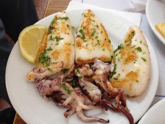 Can Mano: Calamars à la plancha