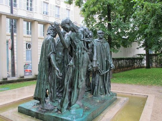 Musée Rodin : Citizens of Calais in rain,  from another aspect.
