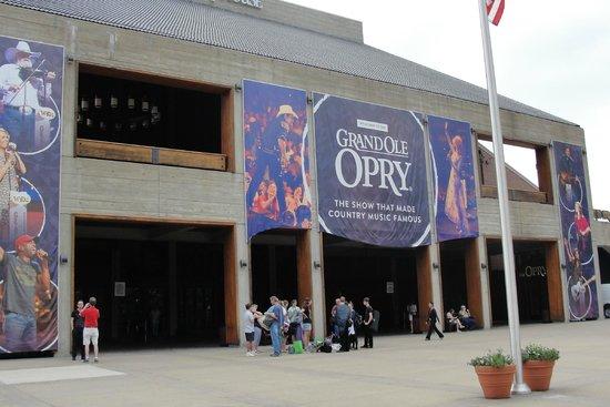 Grand Ole Opry: Grand Ole' Opry, Nashville, Tn.