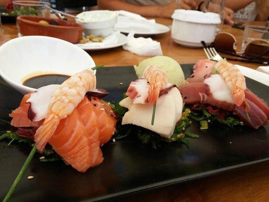 Tiburon: Simply stunning sashimi platter!!