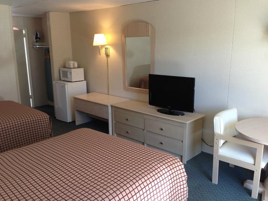 Flamingo Motel: Motel Bldg. standard room