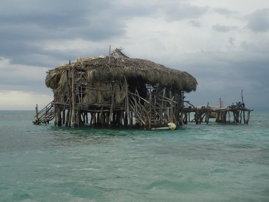 Floyd's Pelican Bar: Approaching the Bar-- Away from it all.