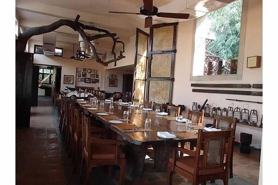 Mahua Kothi: Dining Room