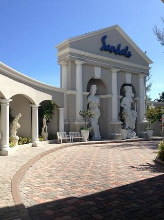 Sandals Royal Bahamian Spa Resort & Offshore Island: wow!  what an entranceway