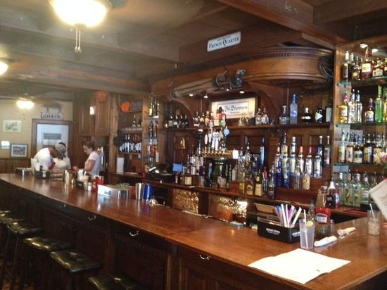 The Darling House Pub and Grill: Bar