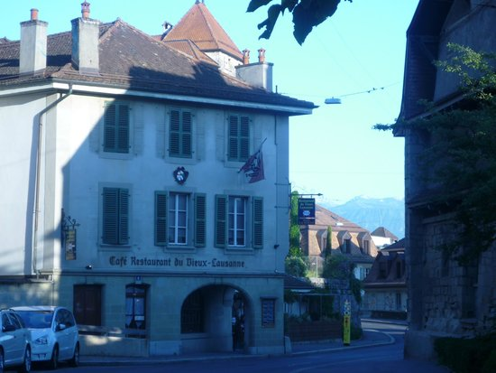 Restaurant du Vieux-Lausanne et Bar Giraf : Evening walk to Vieux Lausanne