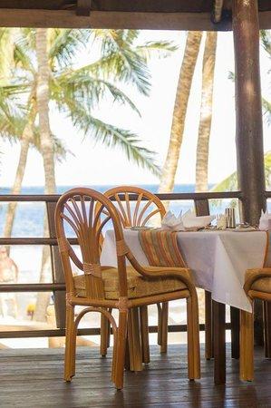 Amani Tiwi Beach Resort: Sultan Dhow Restaurant