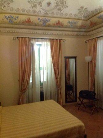 Hotel San Claudio : una delle due stanze da letto