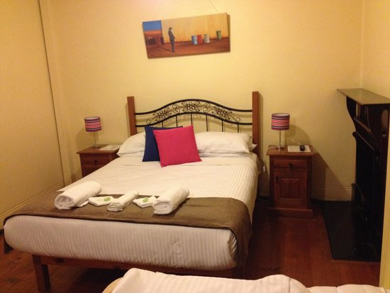 Sydney Harbour Bed and Breakfast : Comfy bed