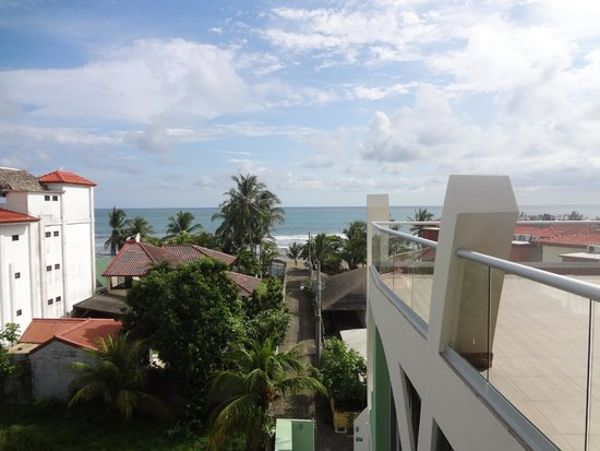 Room2Board Hostel and Surf School: 4th floor view