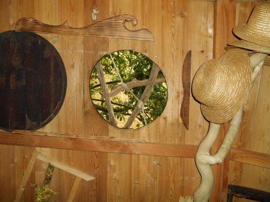 Cabanes Dans les Arbres Brin de Chevrette : Salle à manger
