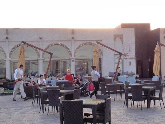 The Corniche: vista