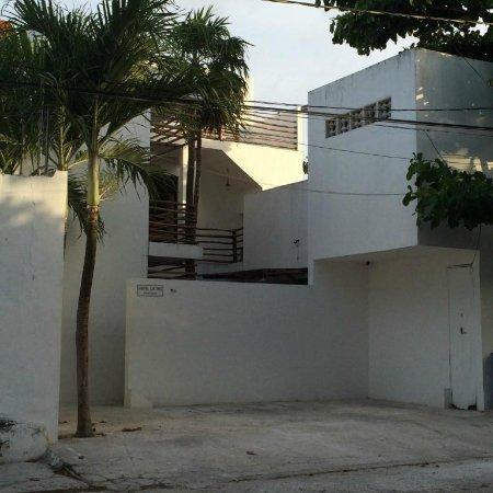 Hotel Latino : quiet street