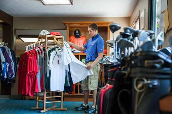 Evergreen Resort : Shop in our Club House