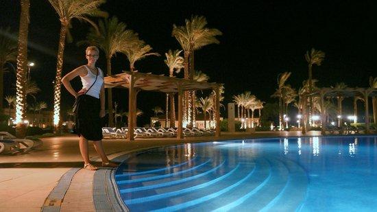 Cleopatra Luxury Resort Makadi Bay: bazén