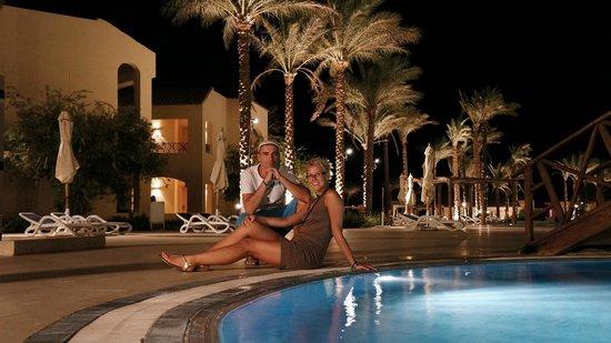Cleopatra Luxury Resort Makadi Bay: u bazénu