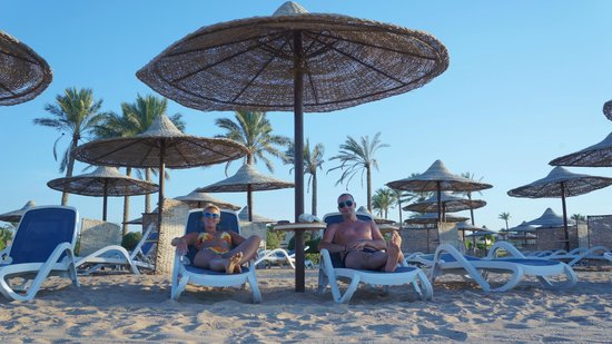Cleopatra Luxury Resort Makadi Bay: veget na pláži