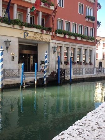 Hotel Papadopoli Venezia MGallery by Sofitel: the front entrance