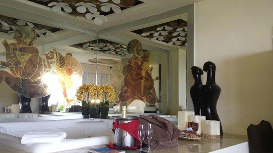 Desire Resort & Spa: Passion suite jaccuzzi