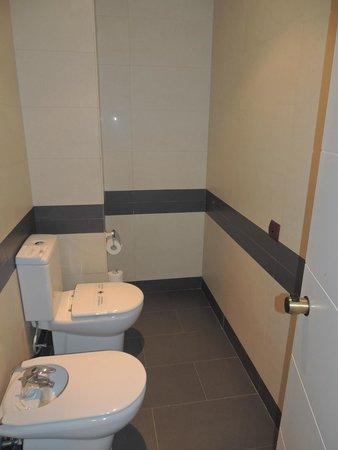 Hotel Layos Golf: wc y bidé
