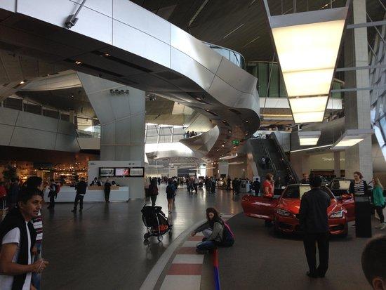 BMW-Museum: interior do museu