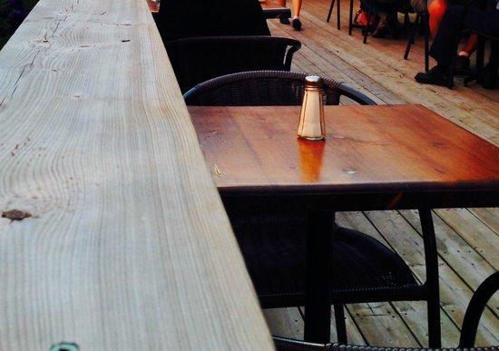 Bistro Beaux Lieux : table de la terrasse