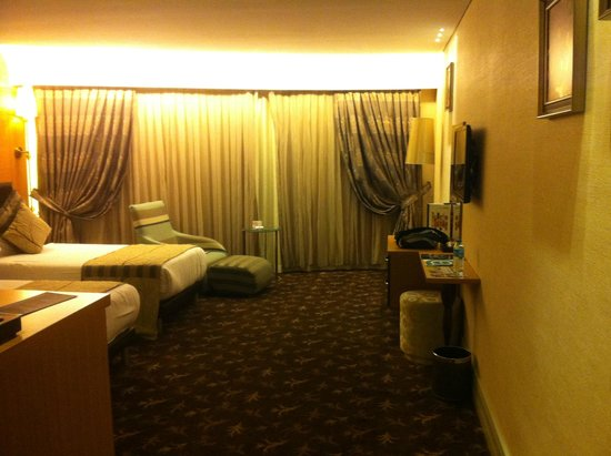 Istanbul Gonen Hotel: Spacious room