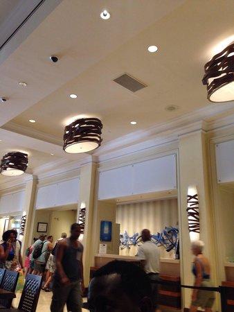 San Juan Marriott Resort & Stellaris Casino : Inside of the hotel