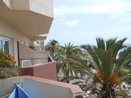 Aqua Hotel Promenade: Vom Balkon können Sie ungestört in die Nachbarrzimmer reinzuschauen