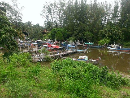 Senari Bay Resort: Neighboring Bay