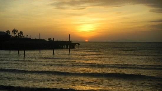Senari Bay Resort : Sunset View