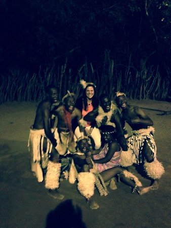 Hippo Hollow Country Estate: Shangaan Tanz Gruppe