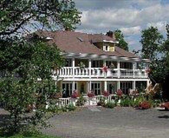"""Fraser Mansion """"La Grand Dame de la Vallee"""""""