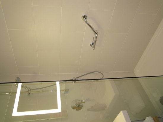 Novotel London Wembley: Bathroom