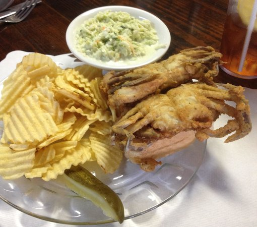 Bayside Inn Restaurant: Soft Crab Sandwich