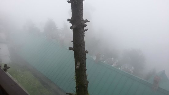 Grand View Hotel : View from Room - It's foggy