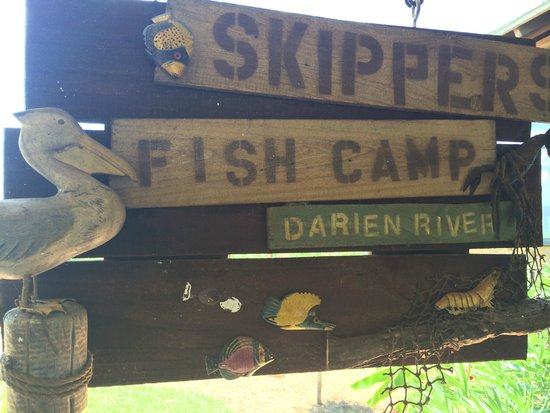 Skipper's Fish Camp: The sign out front of Skipper's.