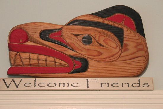 Sasquatch Crossing EcoLodge: Denny, Al and Mao make you truly feel like welcome friends