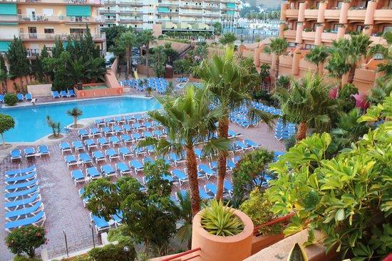 Almunecar Playa Spa Hotel: Vistas desde la habitación. Zona de la piscina